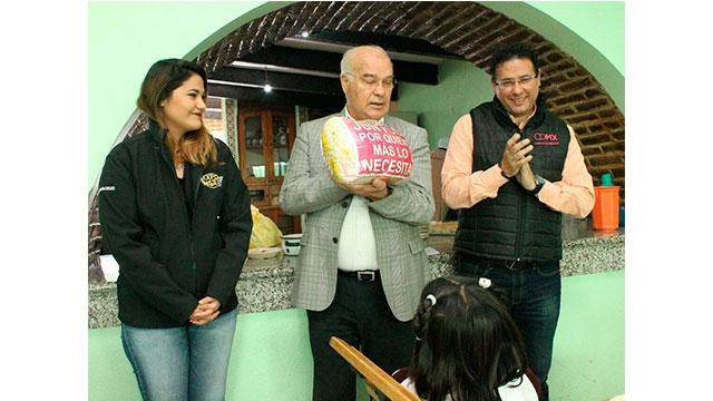 Entrega DIF CDMX y Expo Moto más de media tonelada de alimentos donados en la Rodada Echale Kilos a tu Moto