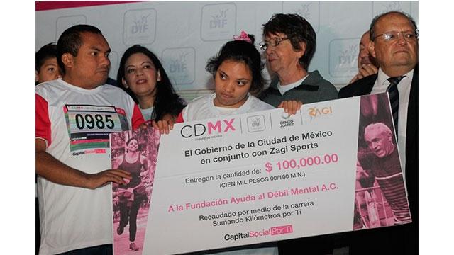 Recibe FADEM 100 mil pesos, producto de la Primera Carrera Sumando Kilómetros por Ti, organizada por DIF CDMX