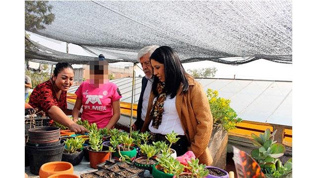 La Directora General del Sistema DIF de la Ciudad de México, Esthela Damián Peralta, recorrió la Fundación Renacimiento IAP